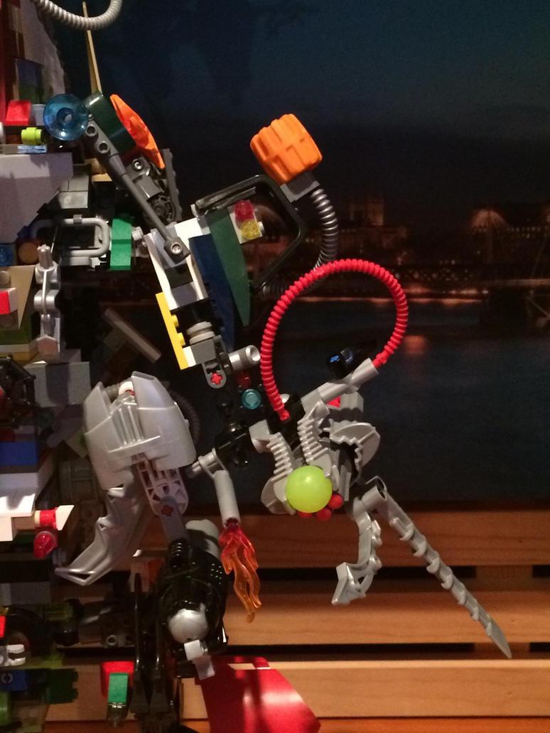 Mega build mech ((left arm front close up)) by Trueblur1