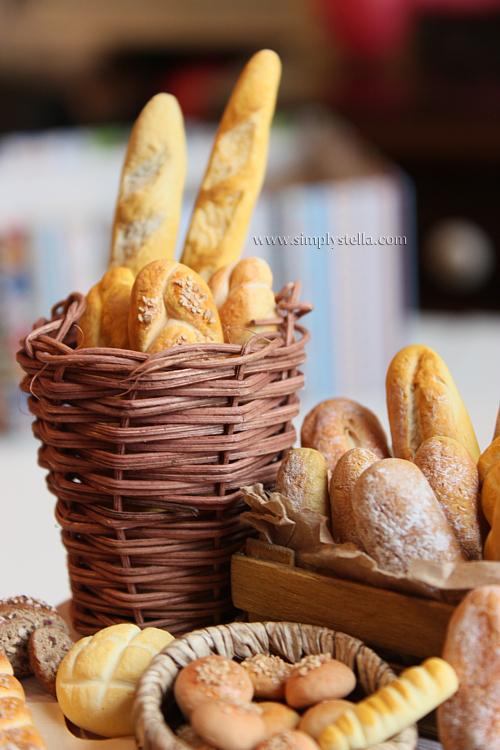 1:6 Bakery Display WIP by thinkpastel