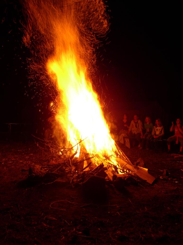 Campfire 1 by Sarkytob