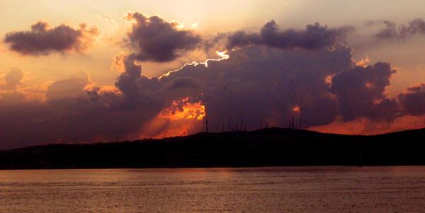 Sunrise in Istanbul by abelamario