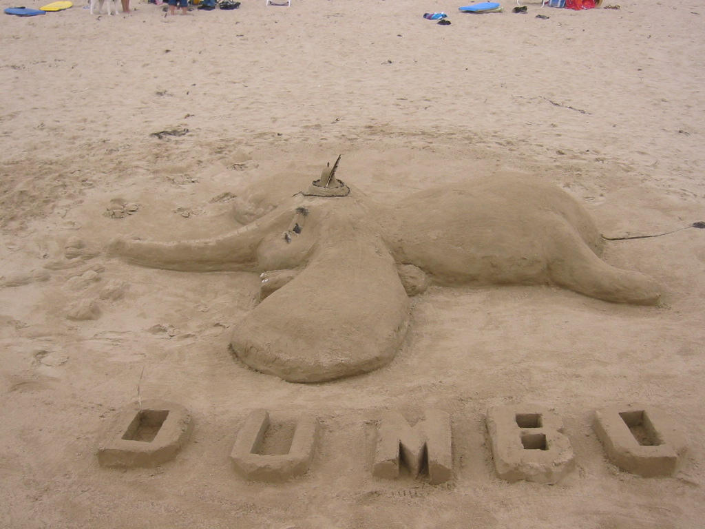 Dumbo by Budunk