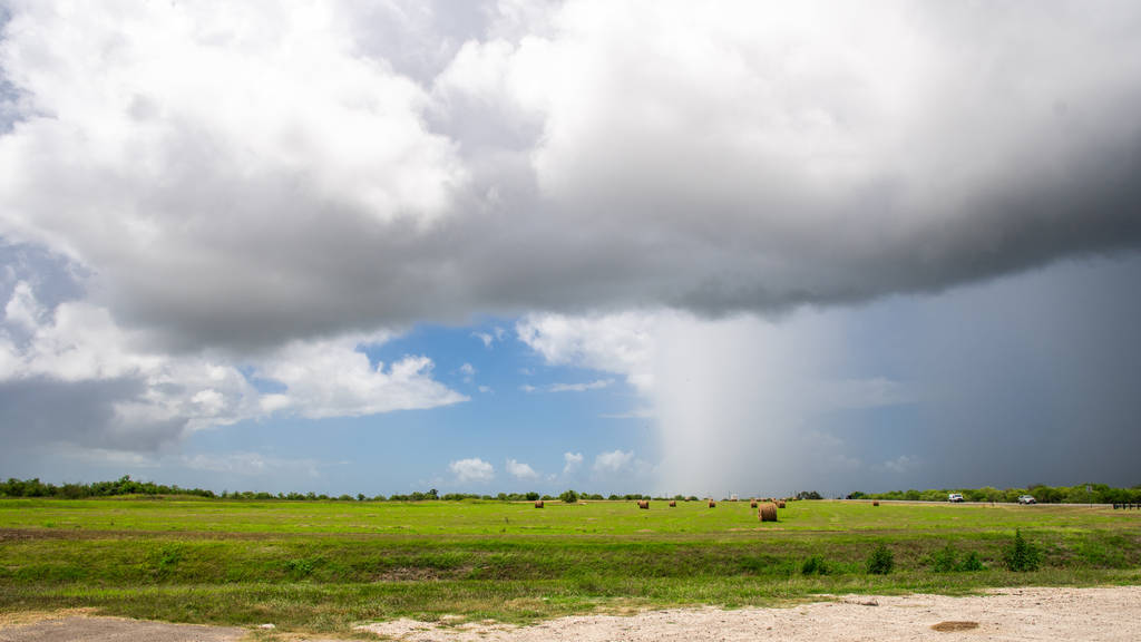 Nearby Storms - Tivoli, TX by SunsetSailor