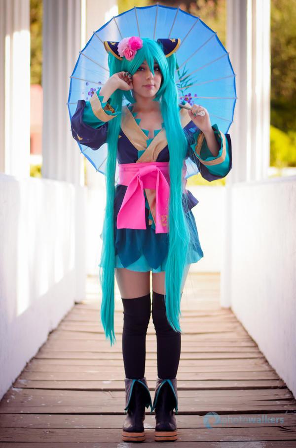 Hatsune Miku Magnet by RingoxHitomi