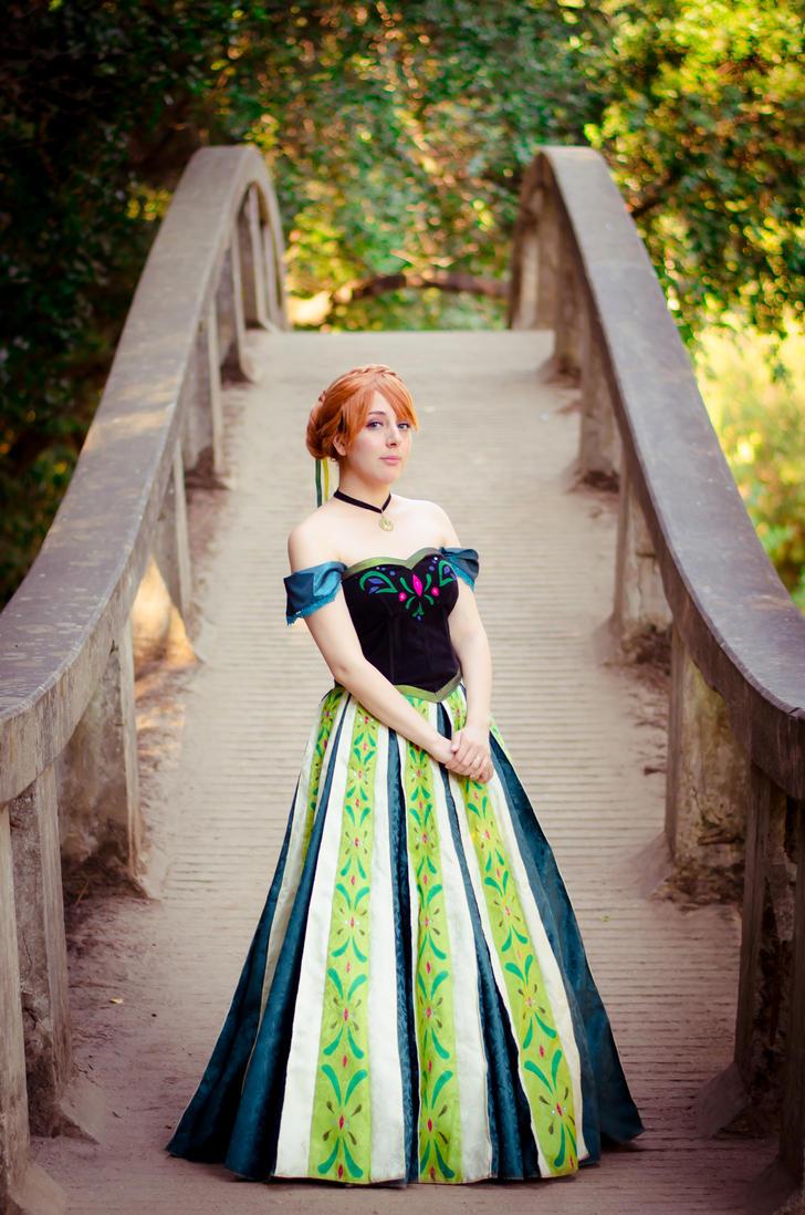 Anna Coronation Day by RingoxHitomi