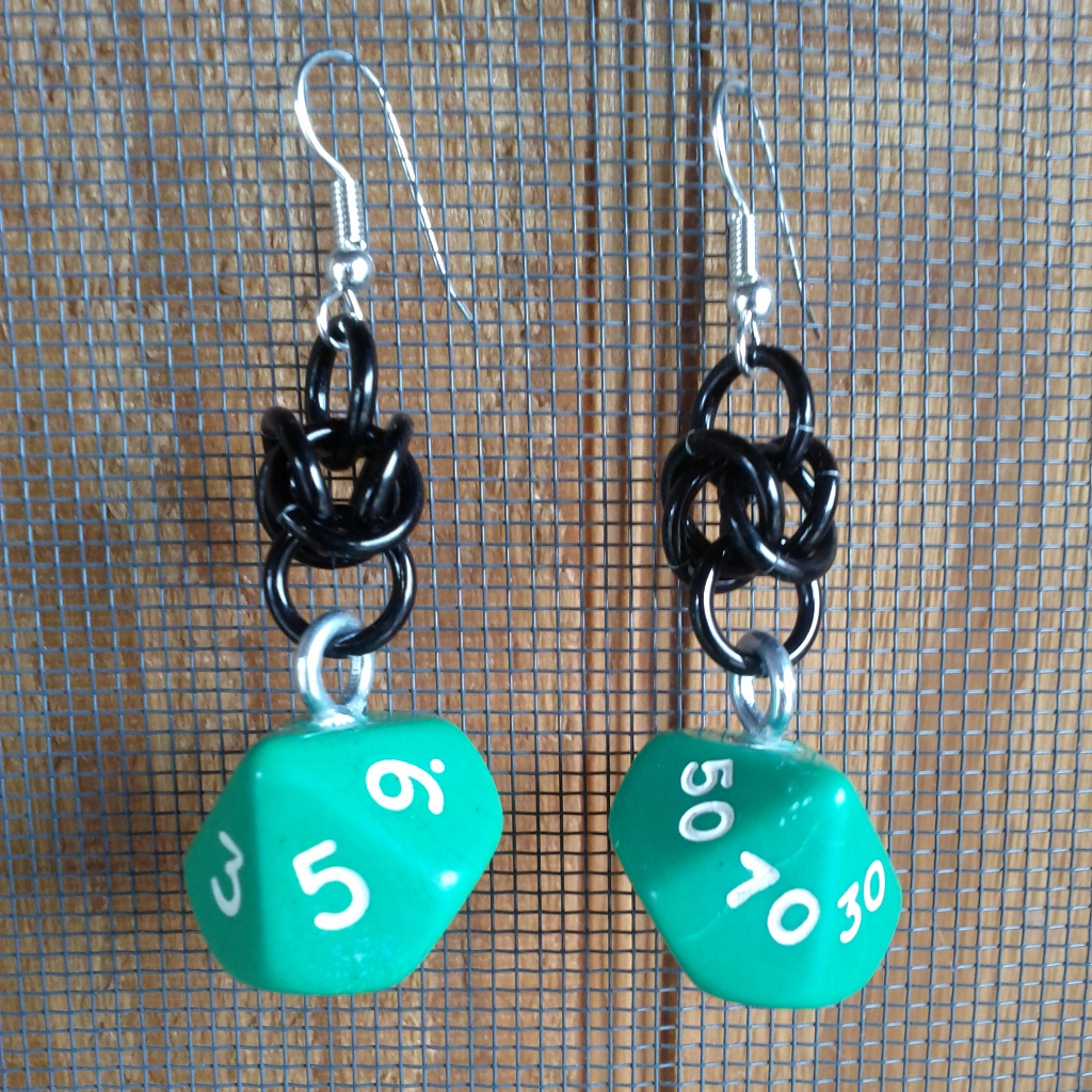 Green and Black d10 Earrings by Utopia-Armoury