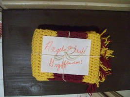 Gryffindor Scarf Picture 2 by tobifangirl52