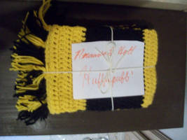 Hufflepuff Scarf picture 2 by tobifangirl52
