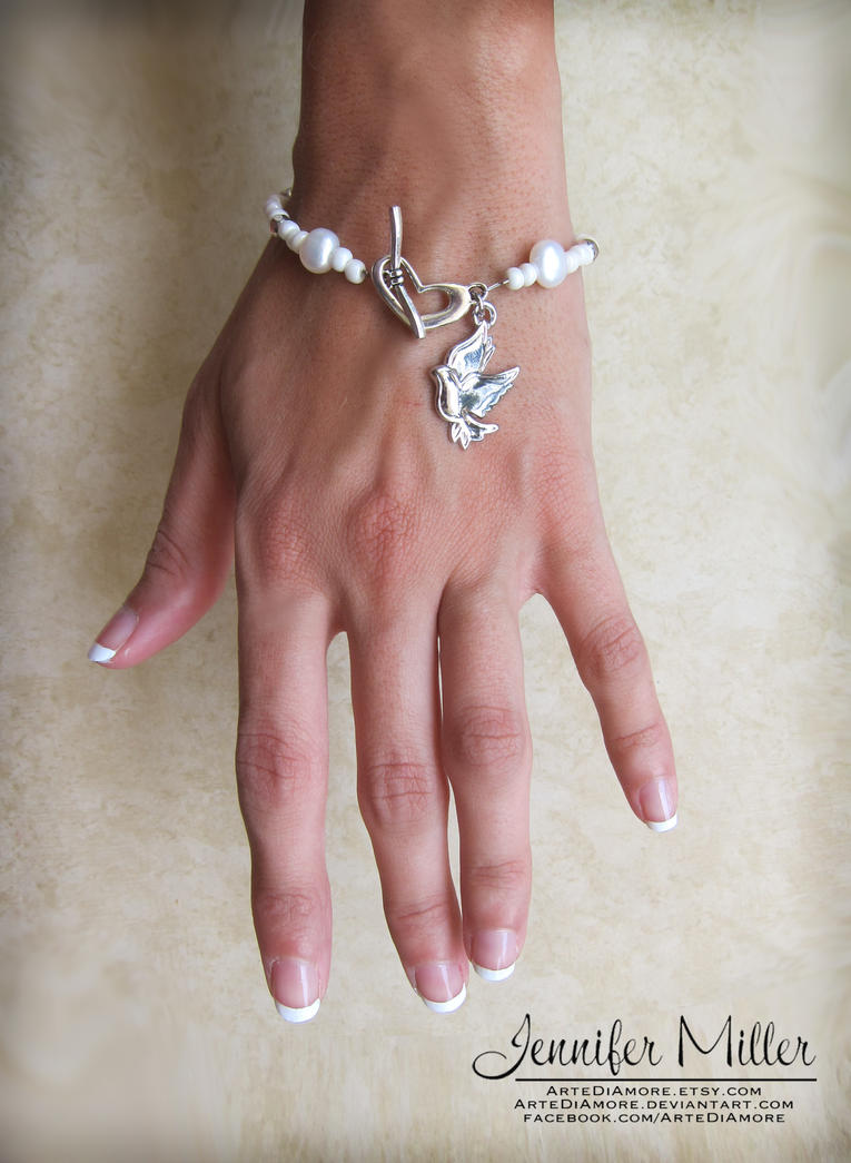 Natural Pearl Bracelet Wedding Cake Pulls by ArteDiAmore