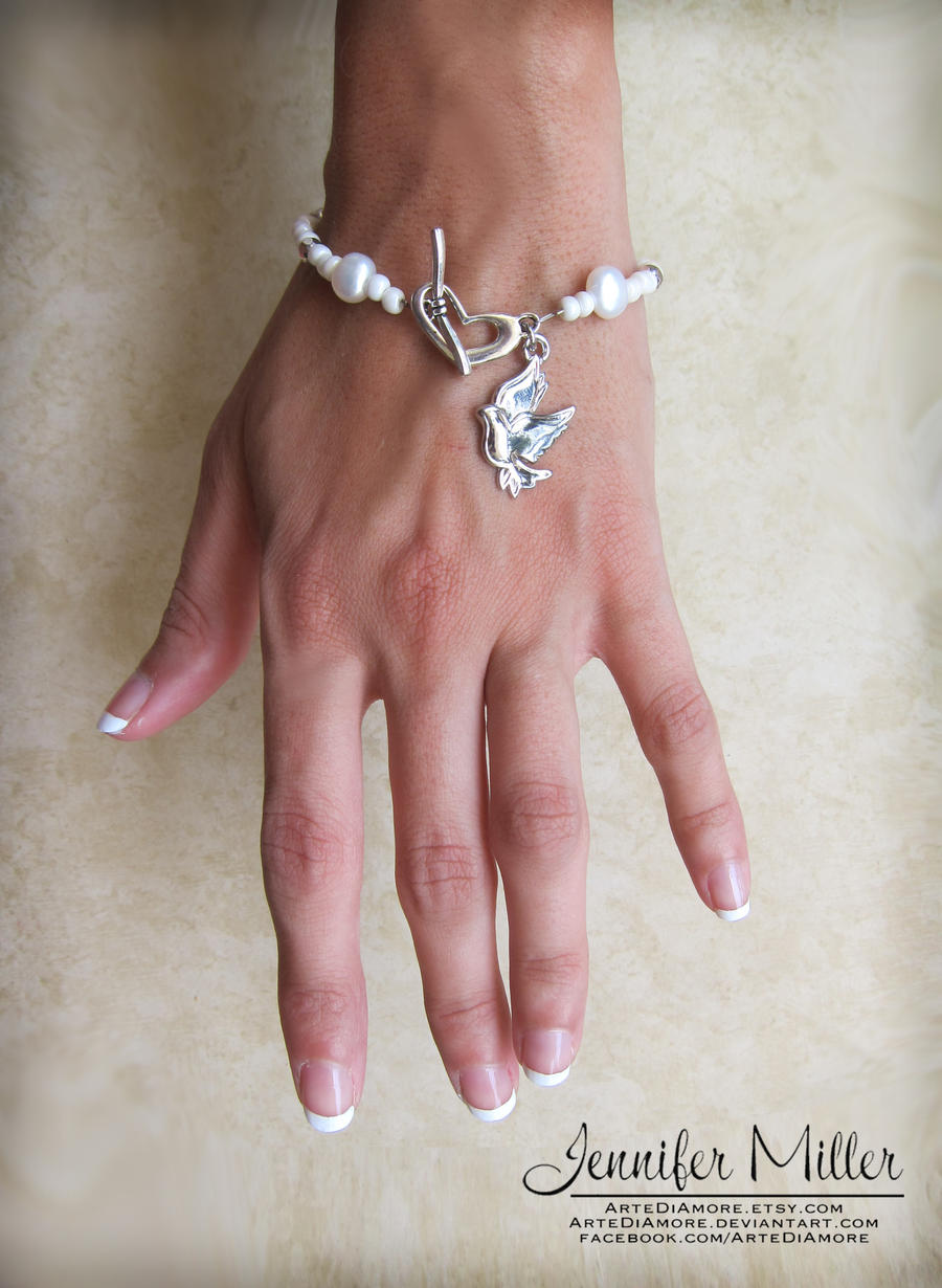 Natural Pearl Bracelet Wedding Cake Pulls by ArteDiAmore