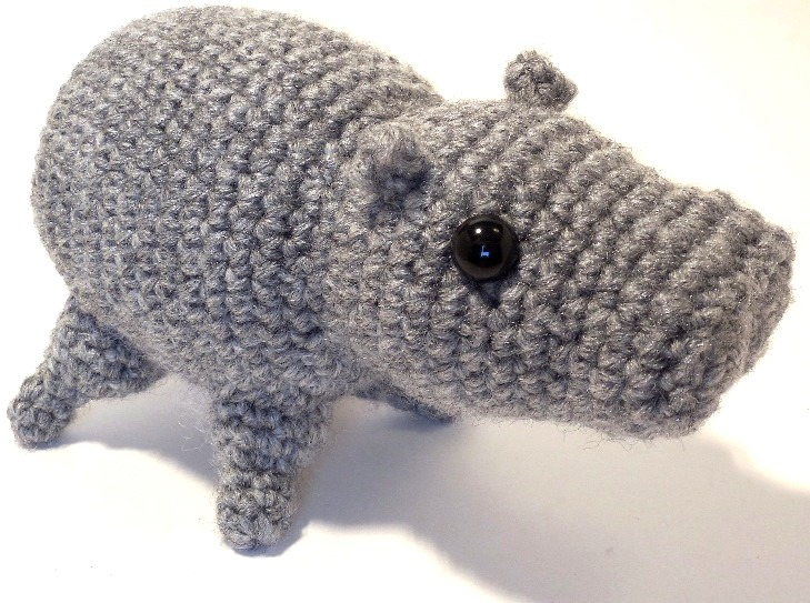 Free Amigurumi Hippo Pattern : Amigurumi hippo crochet pattern slugom for