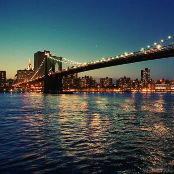 brooklyn bridge. by simoendli