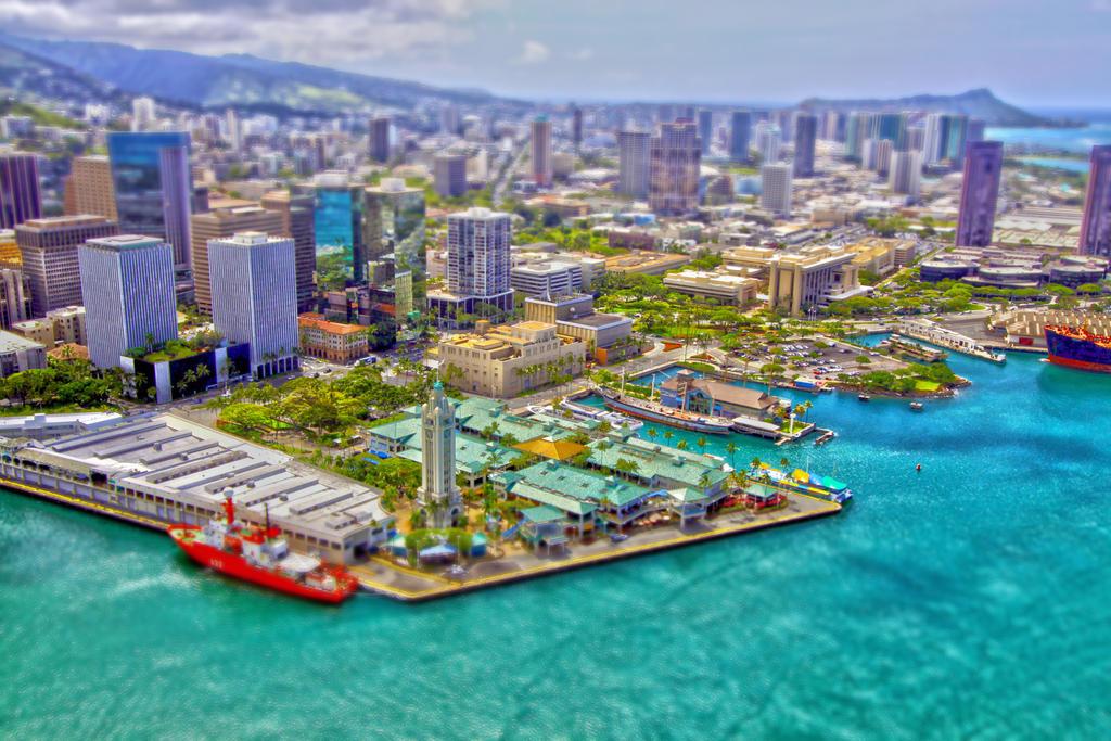 Honolulu, Hawaii by manaphoto
