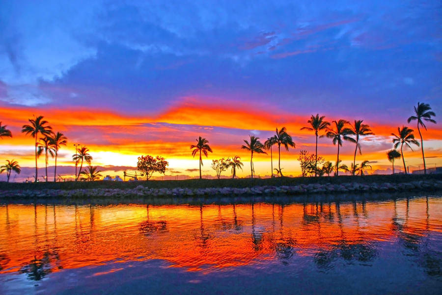 Hawaiian Sunrise by manaphoto