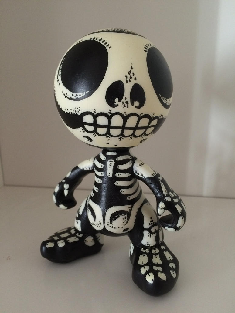 Mr. Bones  by Spoonygee