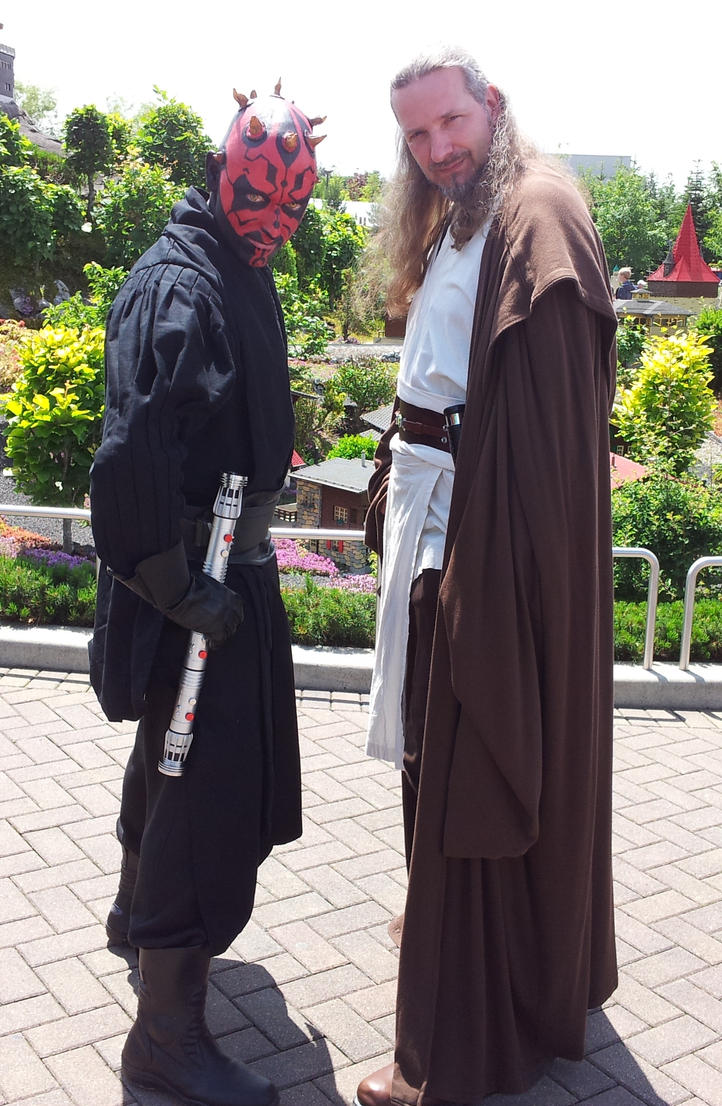 Darth Maul vs Quigonjinn Cosplay by Quigonjinncosplay