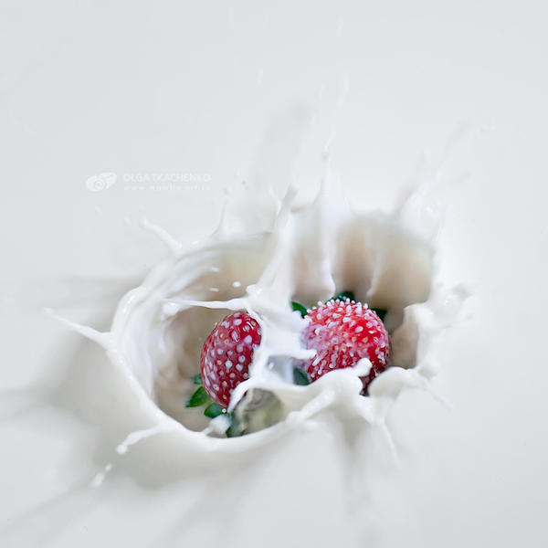 Strawbery and milk by ChudnayaMamba