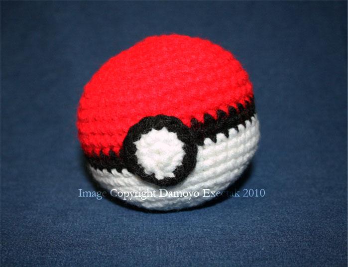 Crochet Pokeball By Damoyoexectak On Deviantart