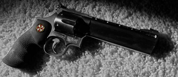 Umbrella_Combat_Magnum_by_maelxtrom.jpg