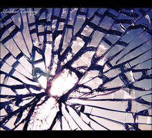 Broken Glass by malikat-zamany