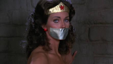 Wonder Woman gagged by sliferred123