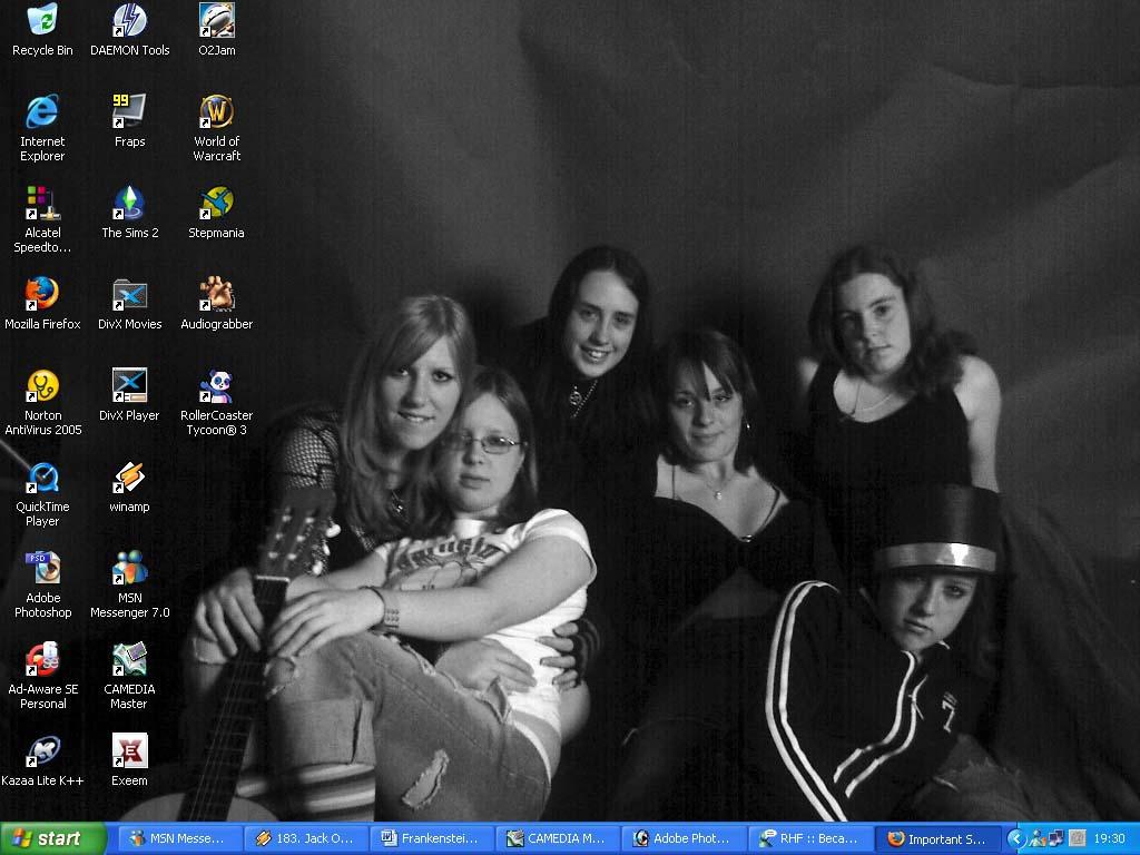 Desktop by NikkiLaLa