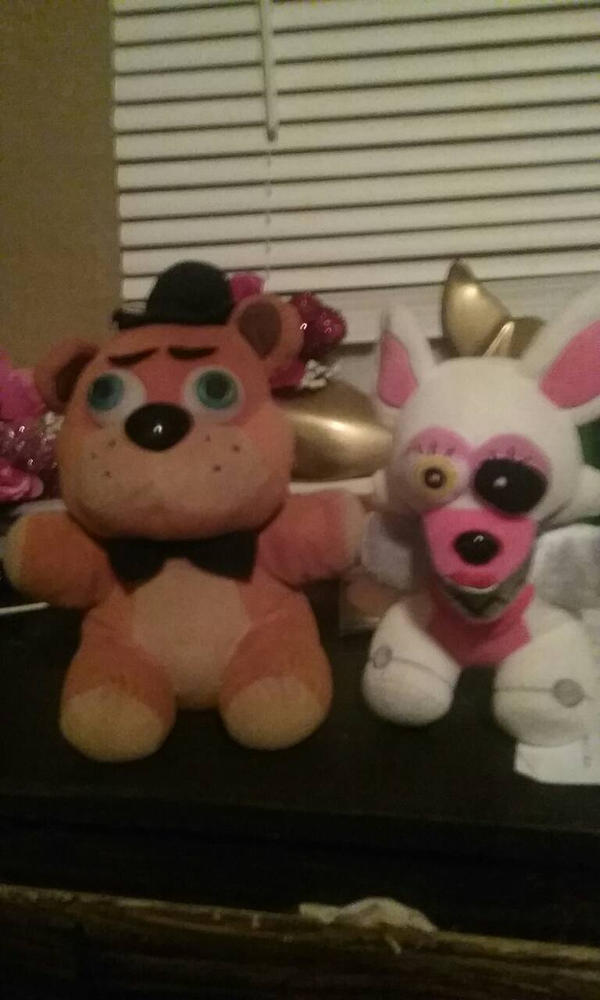 my two best friends  by Zoymomo123