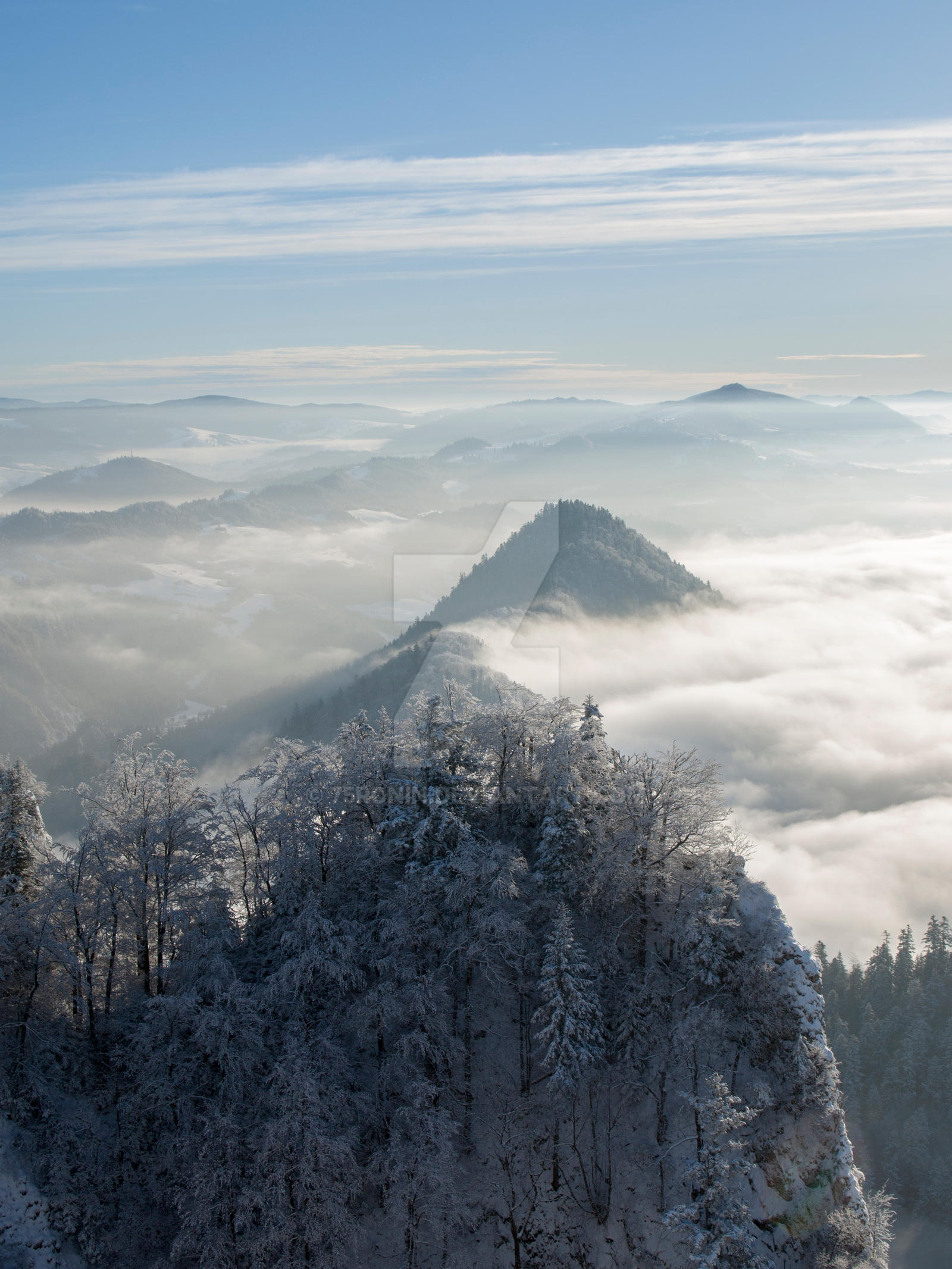 Foggy mountains by 75ronin