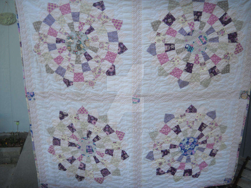 Checkered Dresden Owl Quilt by Yumio-chan