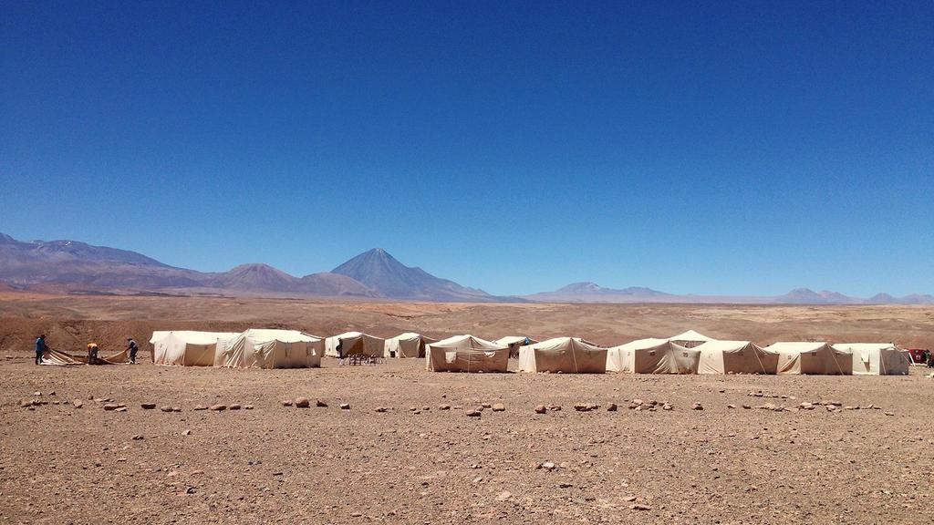 Atacama Crossing 2014: Setting up Camp by WSmieszek