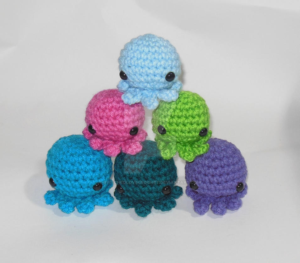 Pocket sized octopus amigurumi! by StitchedLoveCrochet on ...