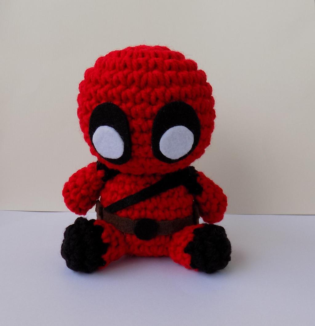 Free Crochet Pattern - DeadPool - Jucarie Crosetata | Crochet toys ... | 1061x1024