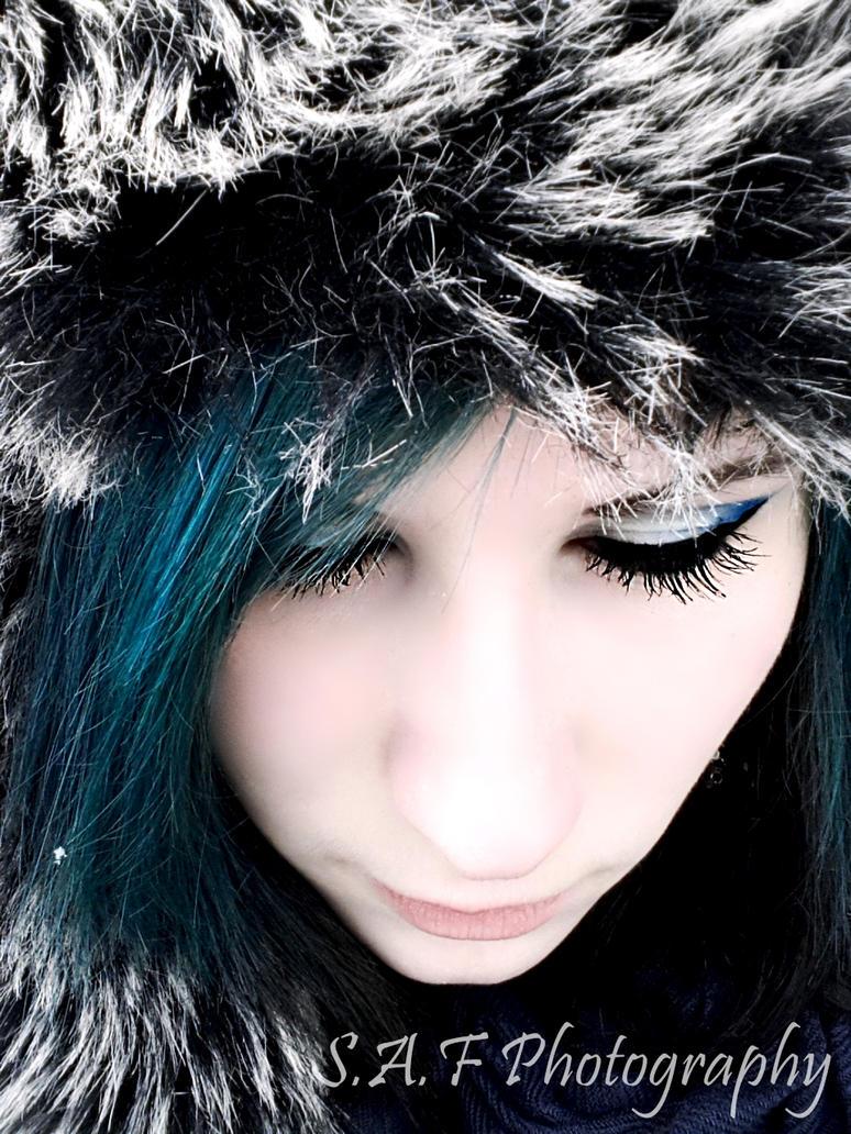 thinking about winter by AllyTheDarkSunshine