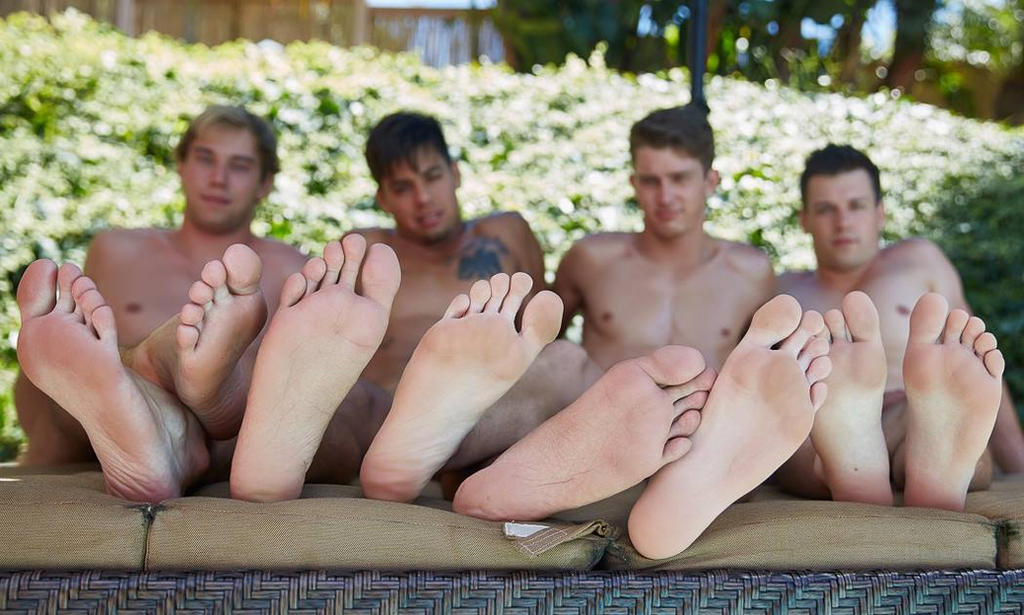 Manly soles for everyone by dehevia
