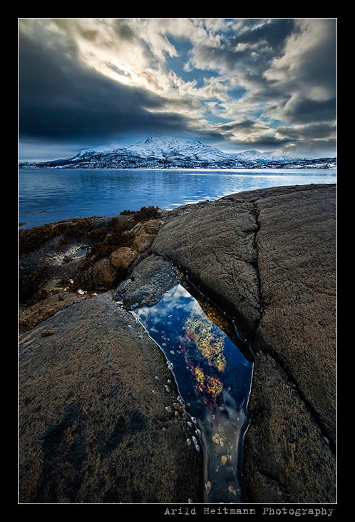 Mirror pond.. by uberfischer