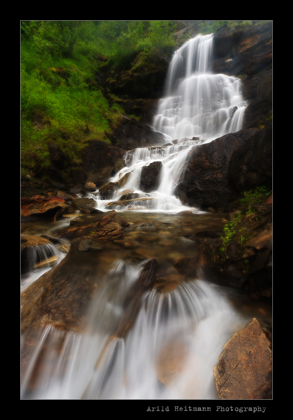 Misty Waterfall by uberfischer