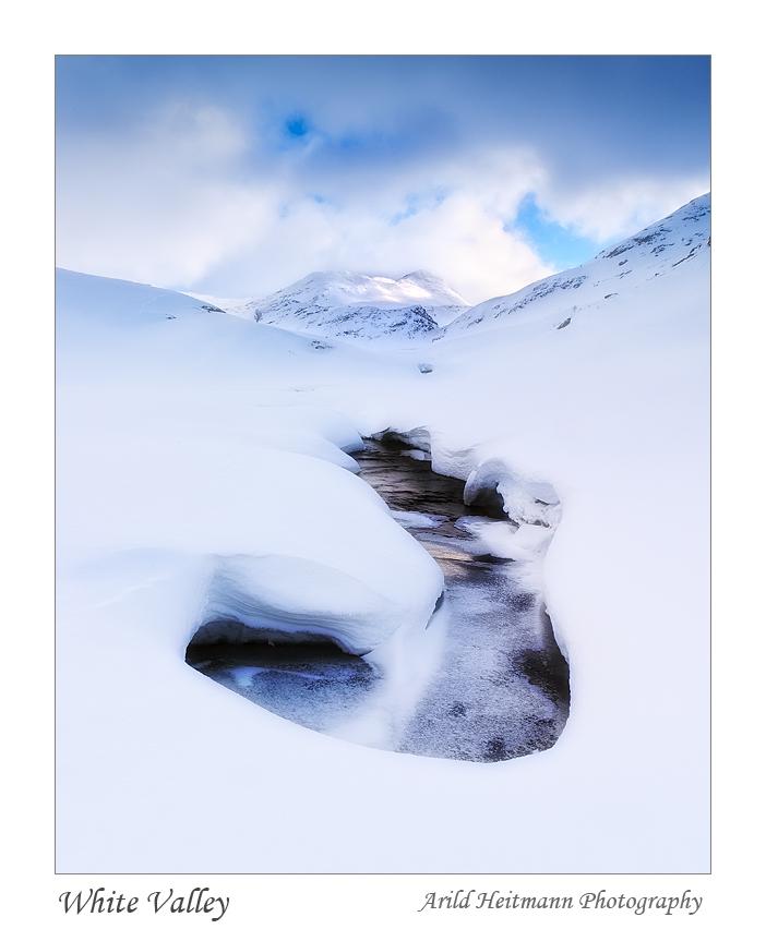 White Valley by uberfischer