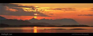 Midnight Sun by uberfischer
