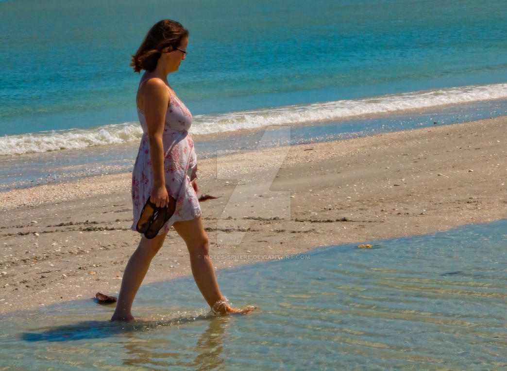 Beach Walk by noels-sphere