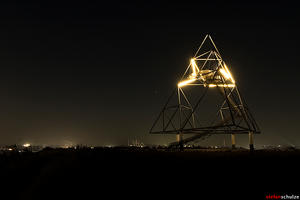 tetrahedron bottrop -tetraeder by pandemic-artwork