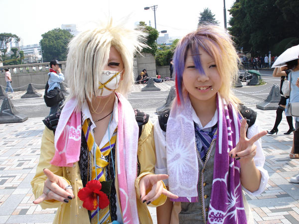http://fc01.deviantart.com/fs31/i/2008/206/1/8/Harajuku_Girls_by_Mangagirls.jpg