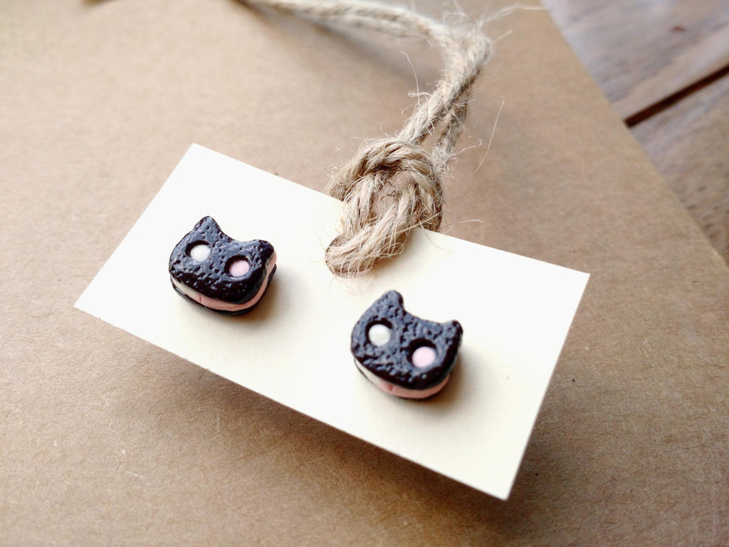 Cookie Cat earrings by Sirix14
