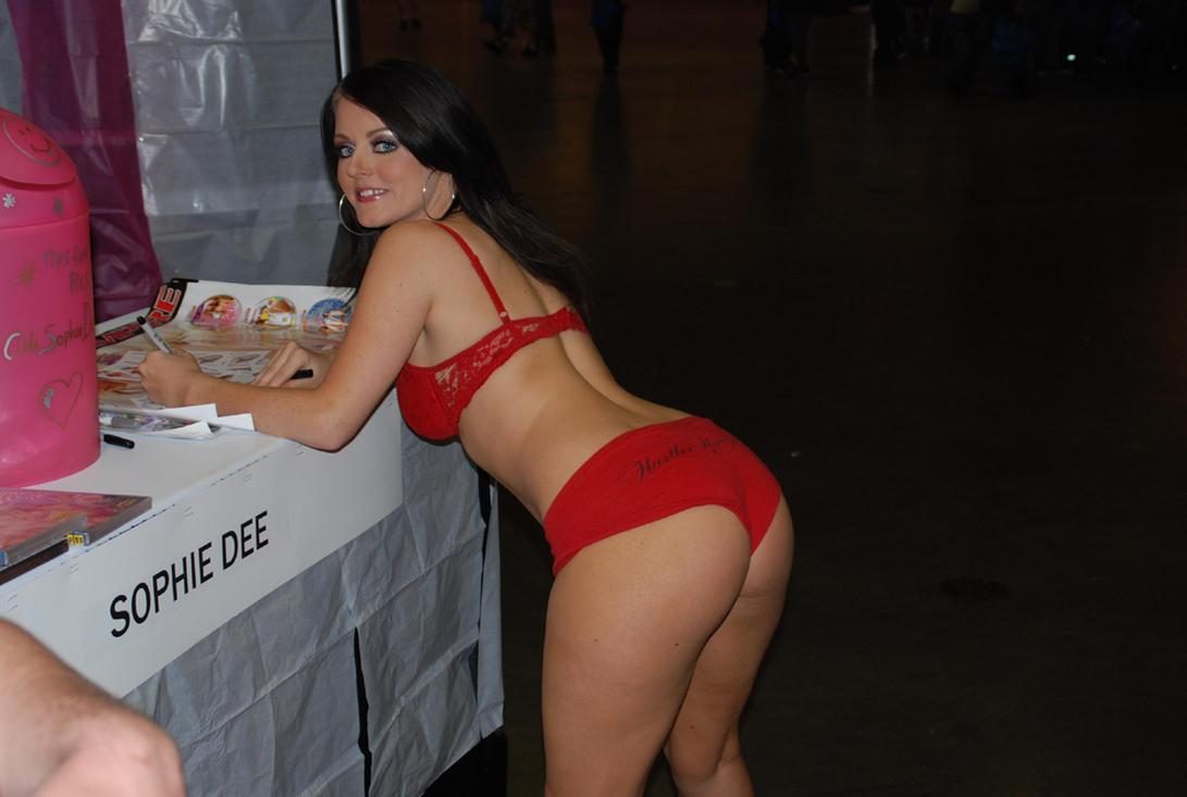 Пикаперы развели на секс рыжую порно фото бесплатно