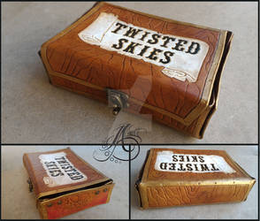 Twisted Skies Leather Card Collection Box