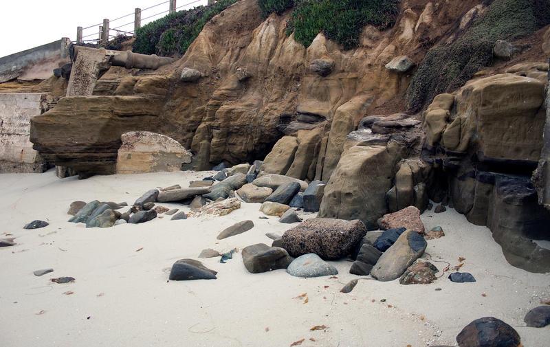 Tumble of rocks