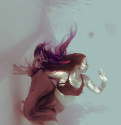 More hair and cloth underwater