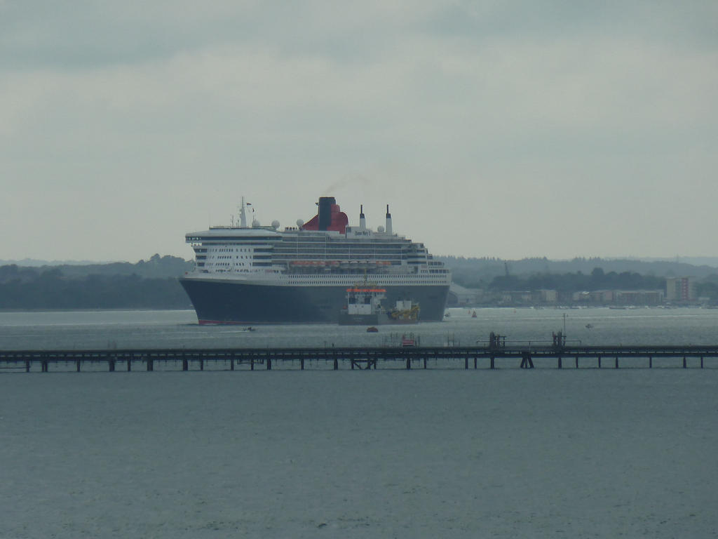 Queen Mary 2 Leaving Southampton by MerchantNavyCadet