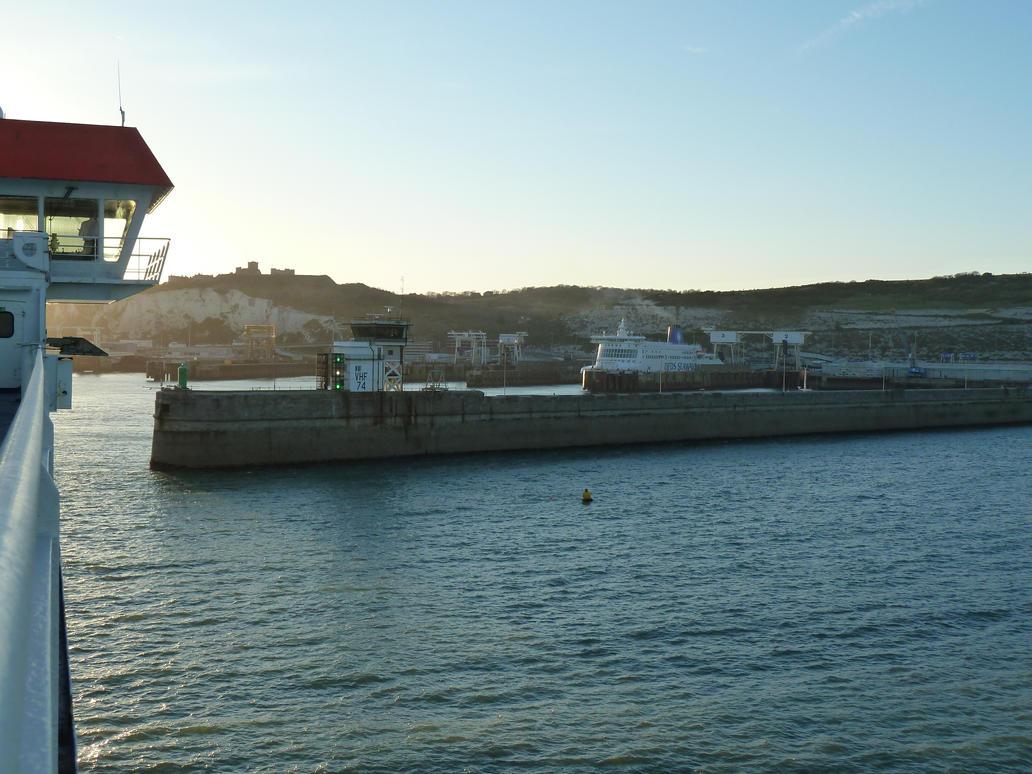 Approach Into Dover by MerchantNavyCadet