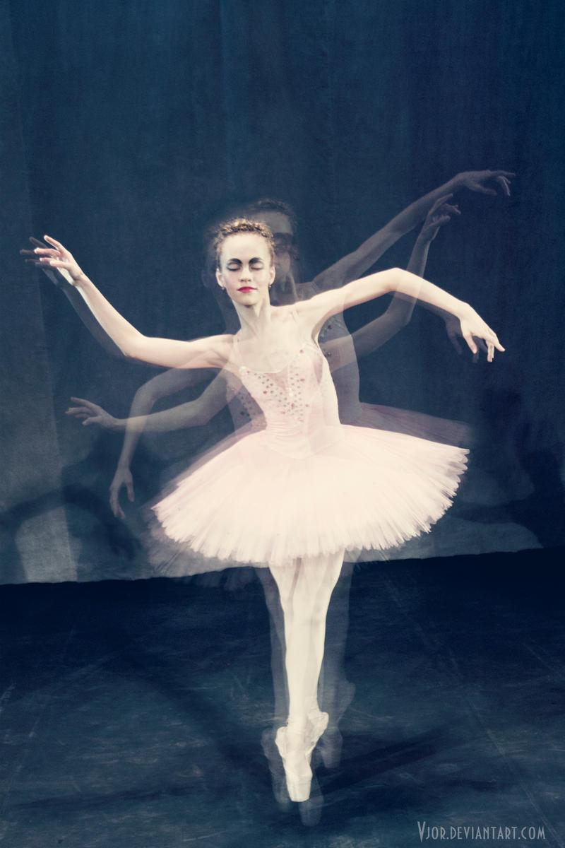 Balerina - Page 3 Shadows_by_vjor-d4mrlnl