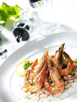 Shrimps on beans