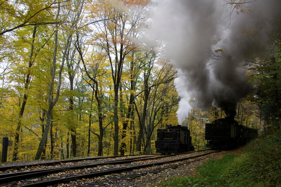Leaving the Upper Switchback by Trainman51